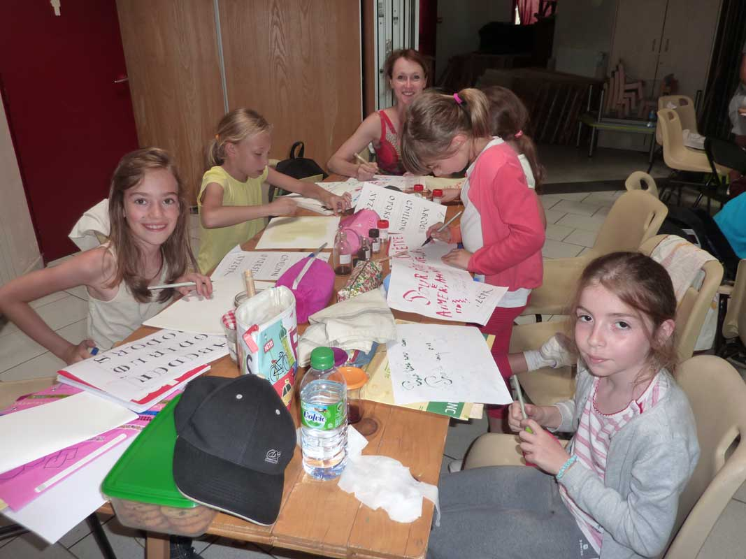 atelier-calligraphie avec enfants